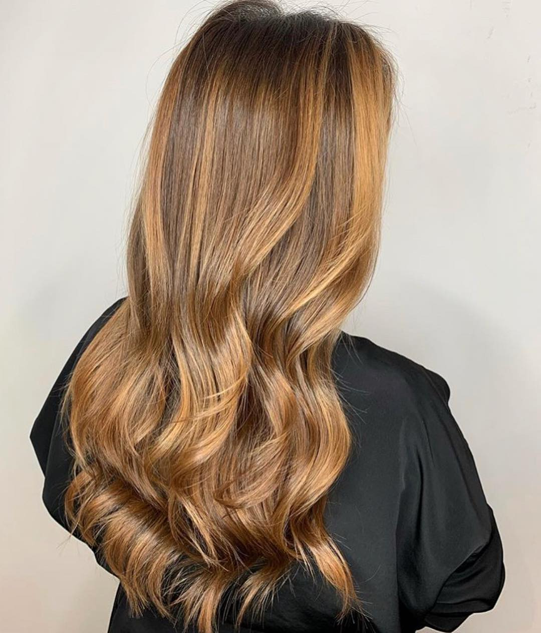 Shiny Brown Hair with Honey Highlights