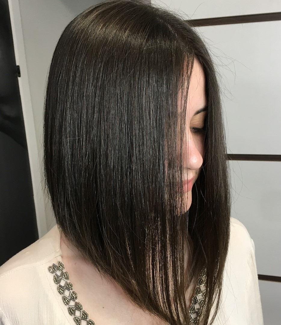 Center-Parted Lob for Thin Hair