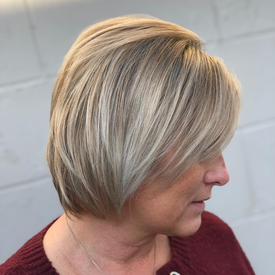 Cute Trendy Blonde Bob with Highlights