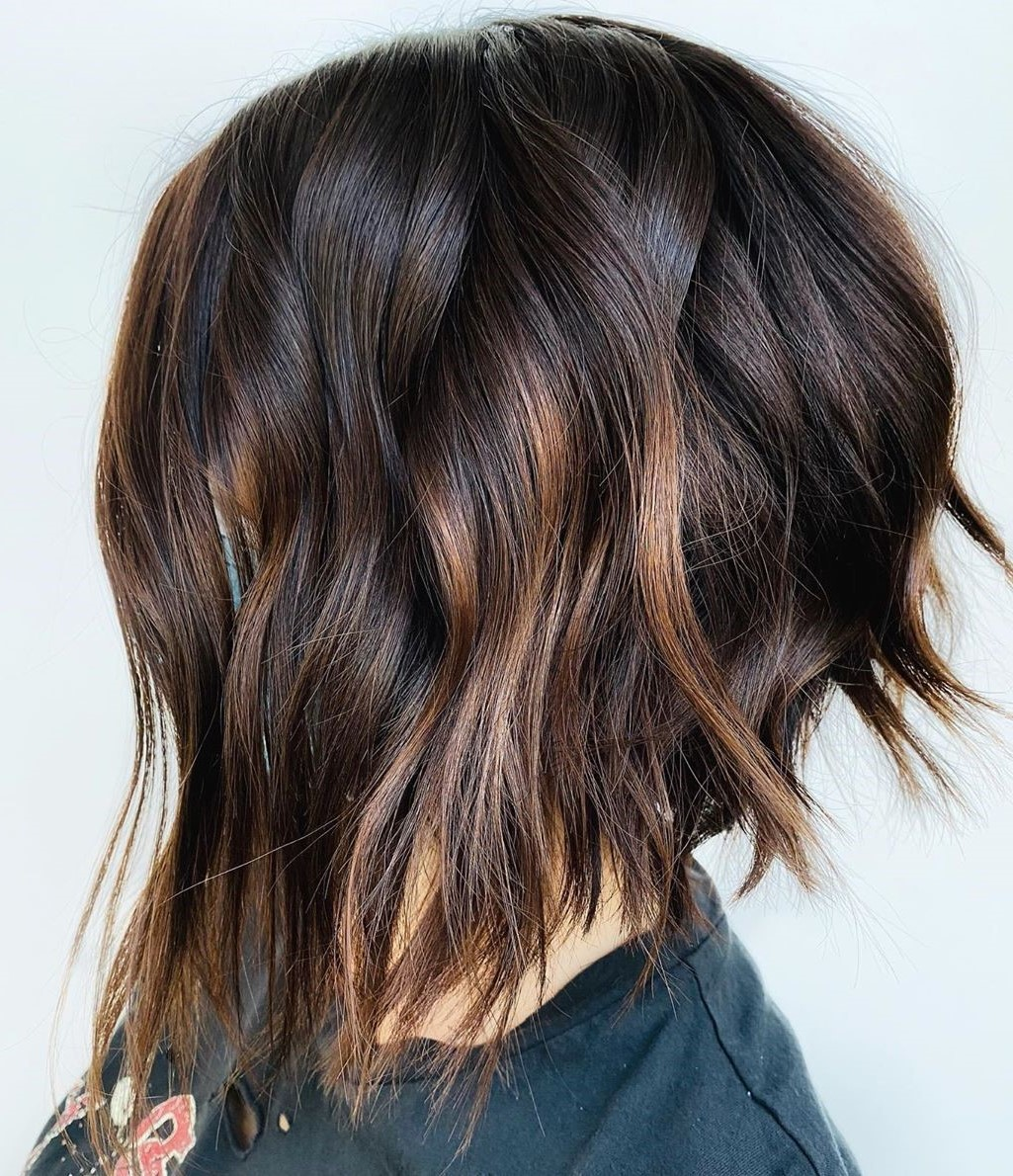 Inverted Bob with Wavy Layers