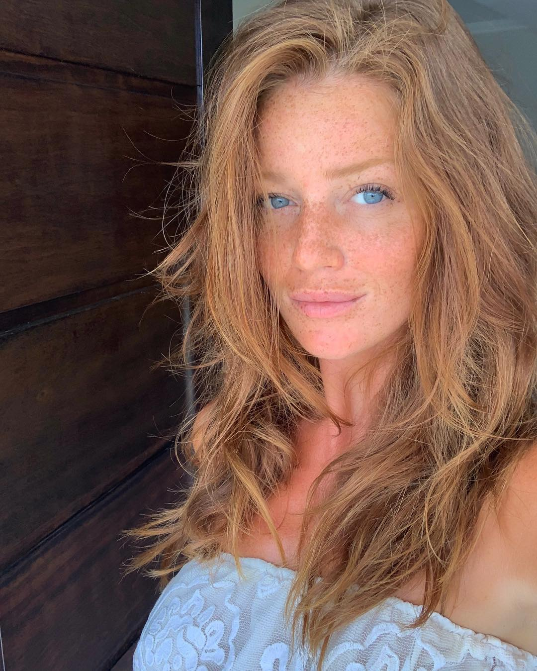 Best Hair Color for Freckles and Blue Eyes