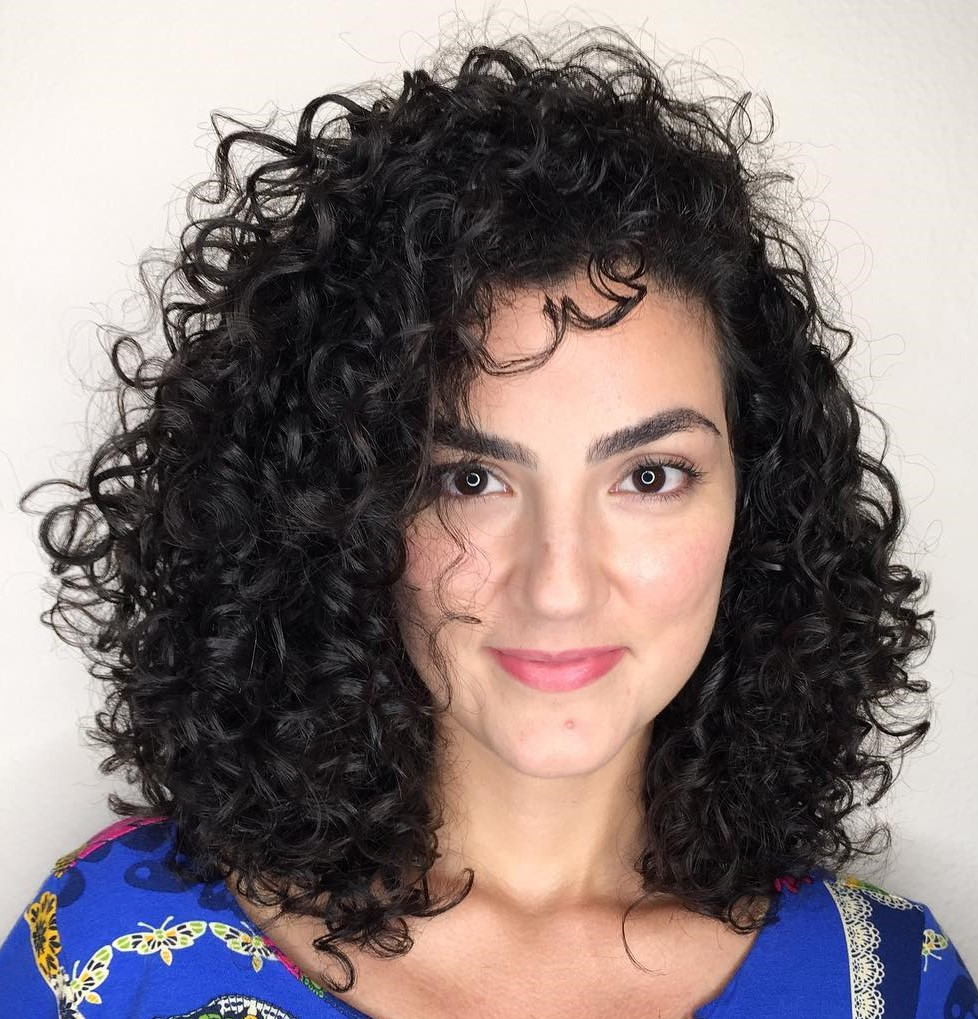 Shoulder-Length Cut for Curly Hair