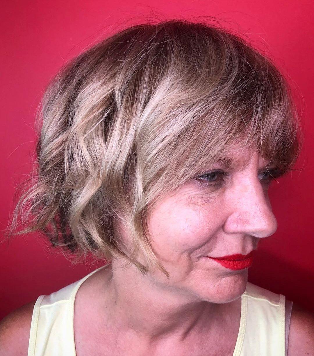 Short Shaggy Bob Haircut for Women
