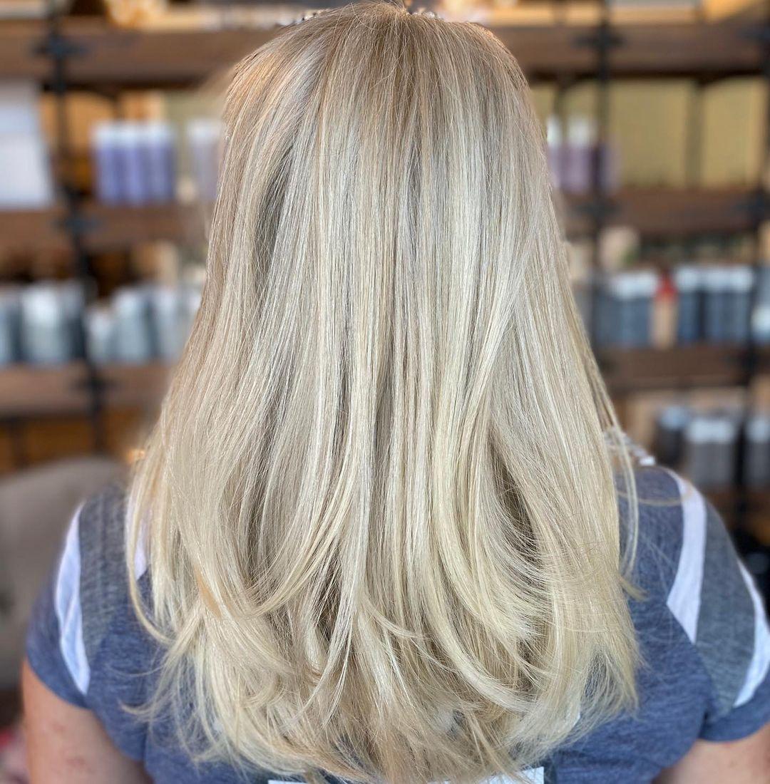 Armpit-Length Voluminous Layered Haircut