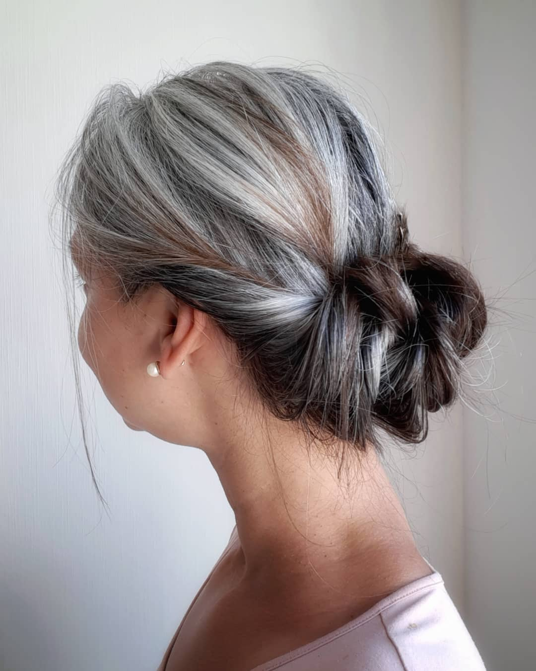 Transitioning To Gray Hair 101 New Ways To Go Gray In 2021 Hair Adviser