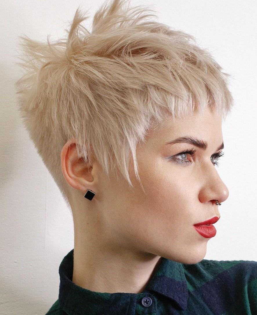 Cute Short Choppy Hairstyle with Micro Bangs