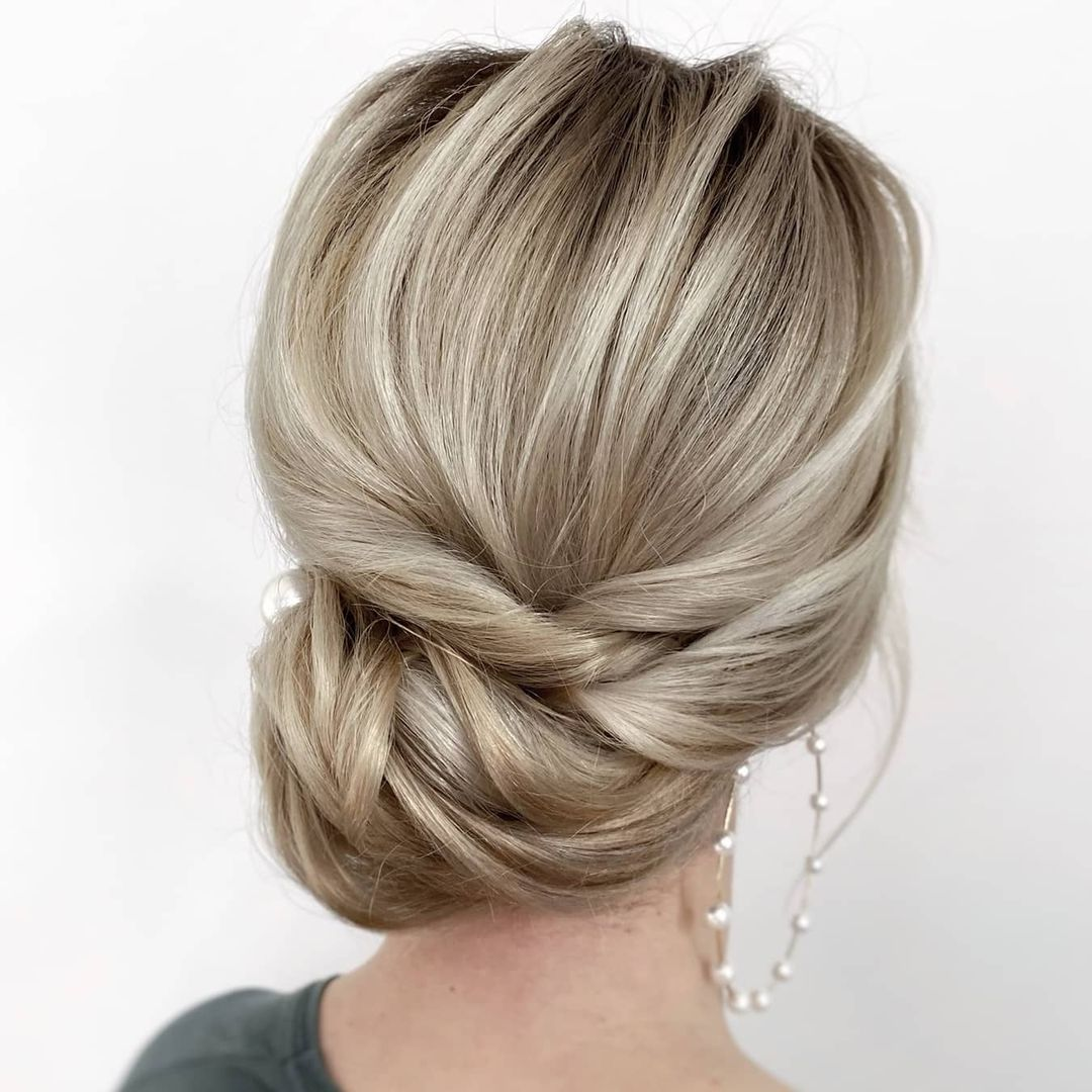 Low Side Bun with Twisted Sections