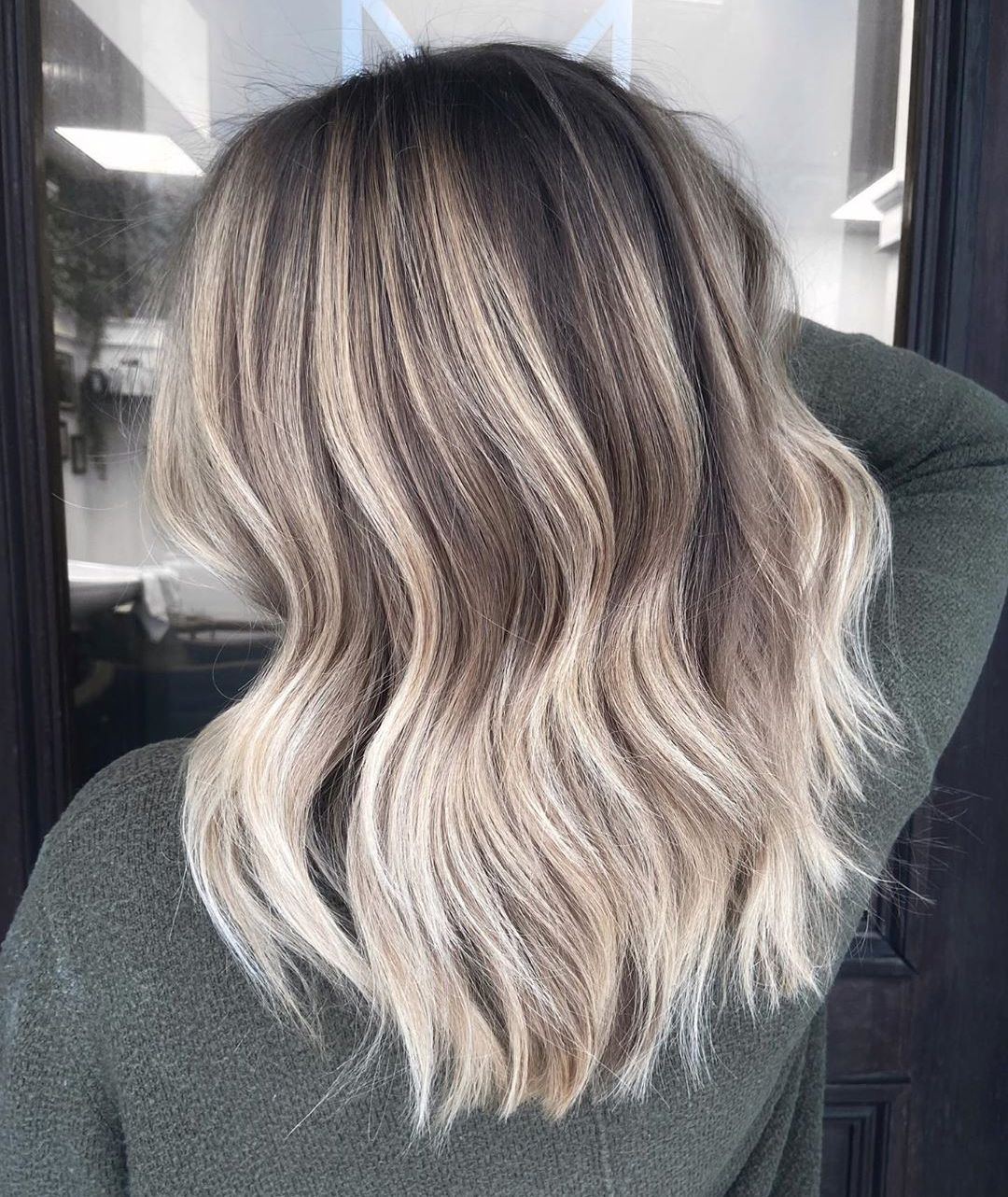 Cool-Toned Ash Blonde Hair with Waves