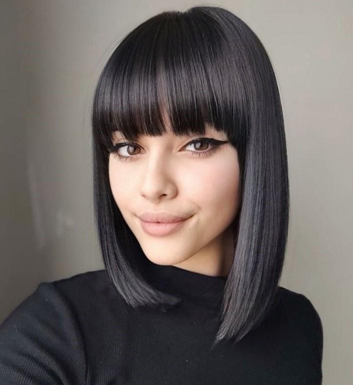 Trendy Straight Medium Haircut