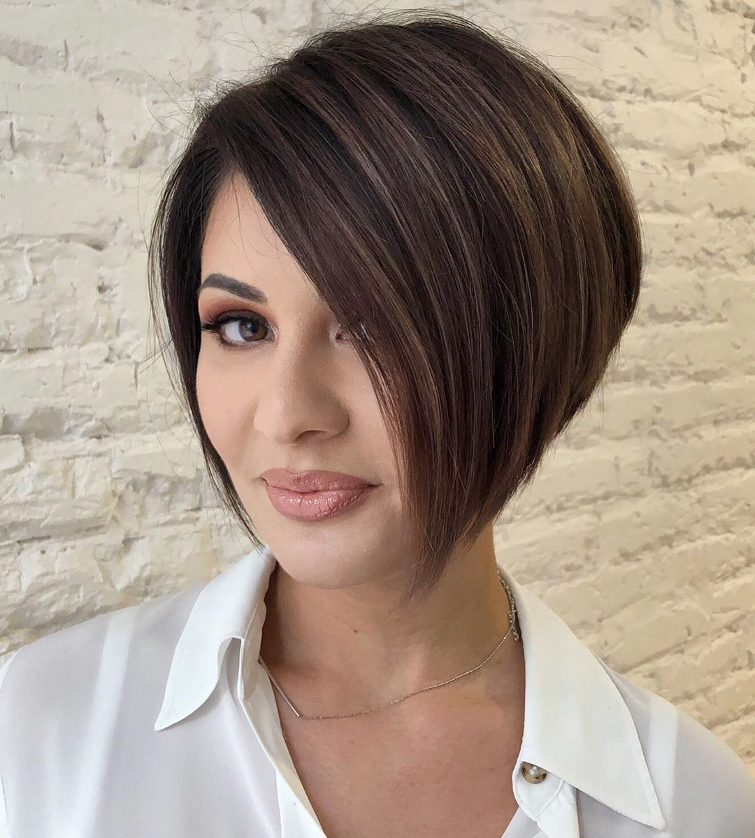 Short Straight Bob Hairstyle for Type 1A Hair
