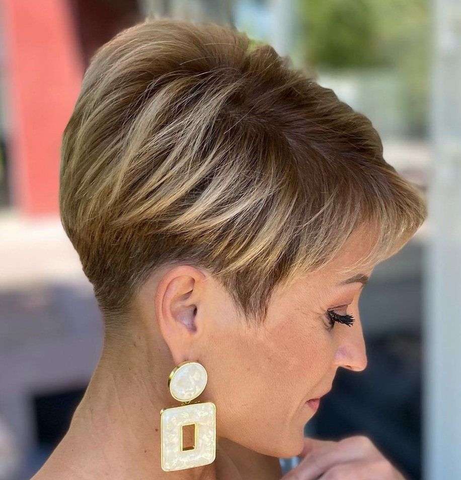 Short Pixie Cut with Highlights