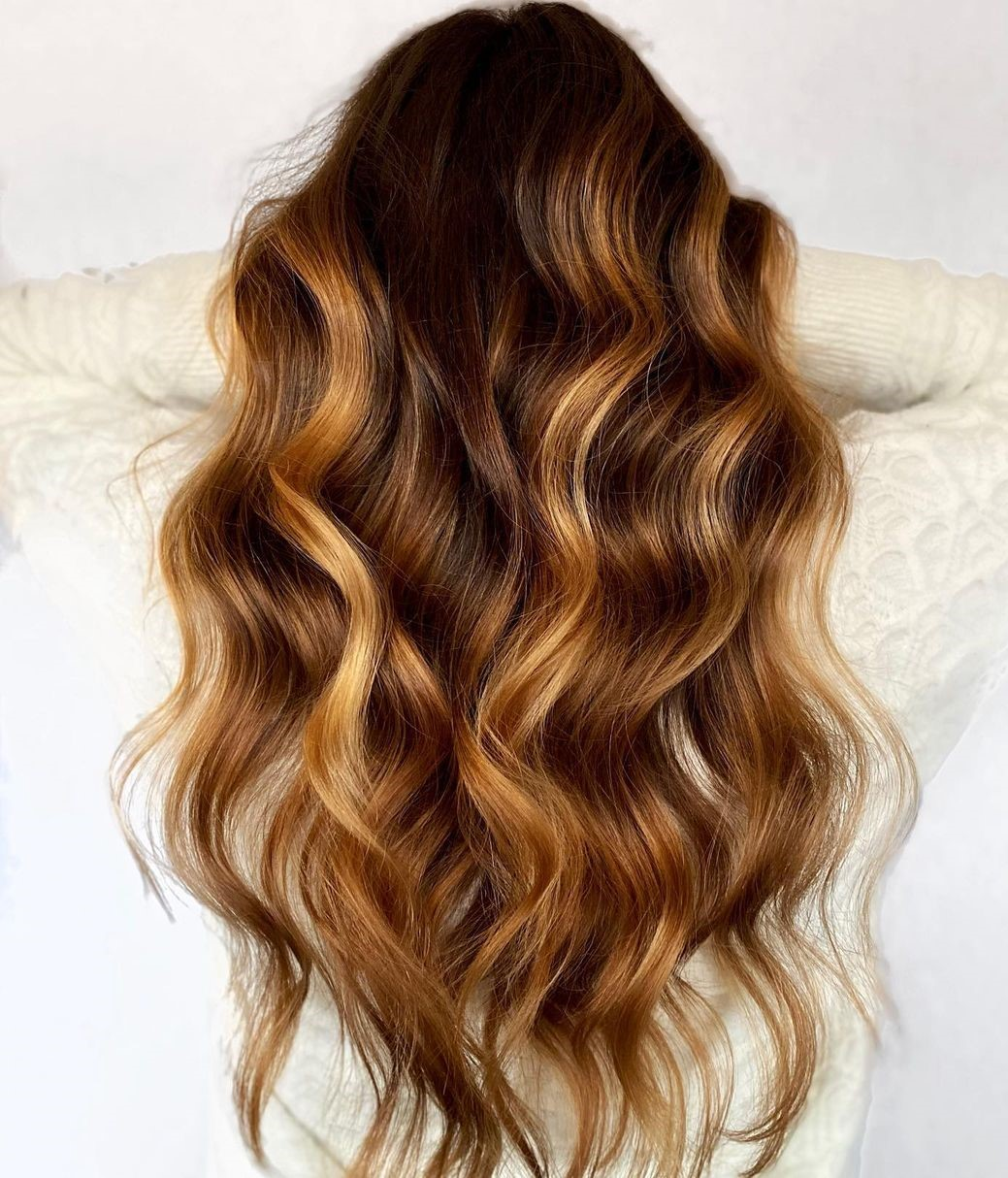 Down-to-Earth Chunky Honey Blonde Highlights
