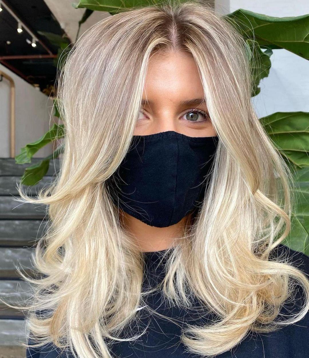 Medium Blonde Hairstyle for Women