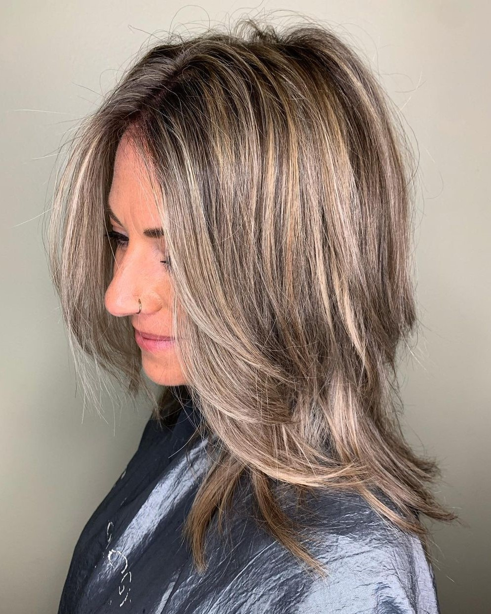 Medium Hairstyle with Highlights and Lowlights