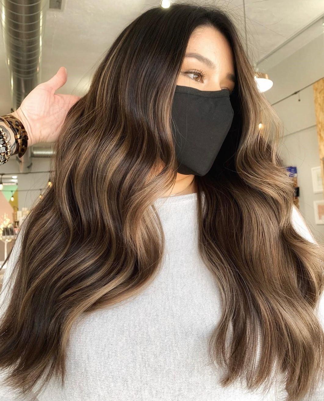 Golden Hazelnut Highlights on Brunette Hair