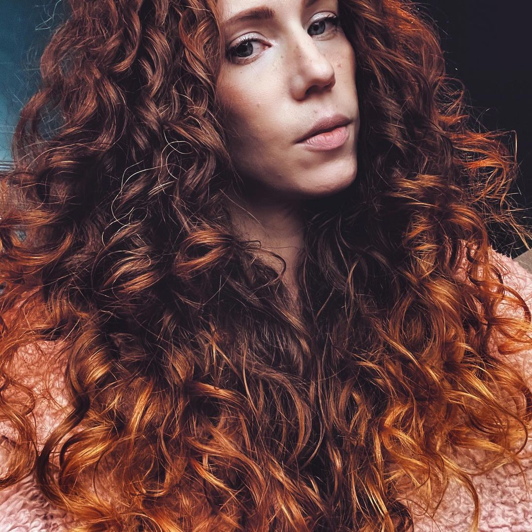 A Guide to Curly Girl Hair Method