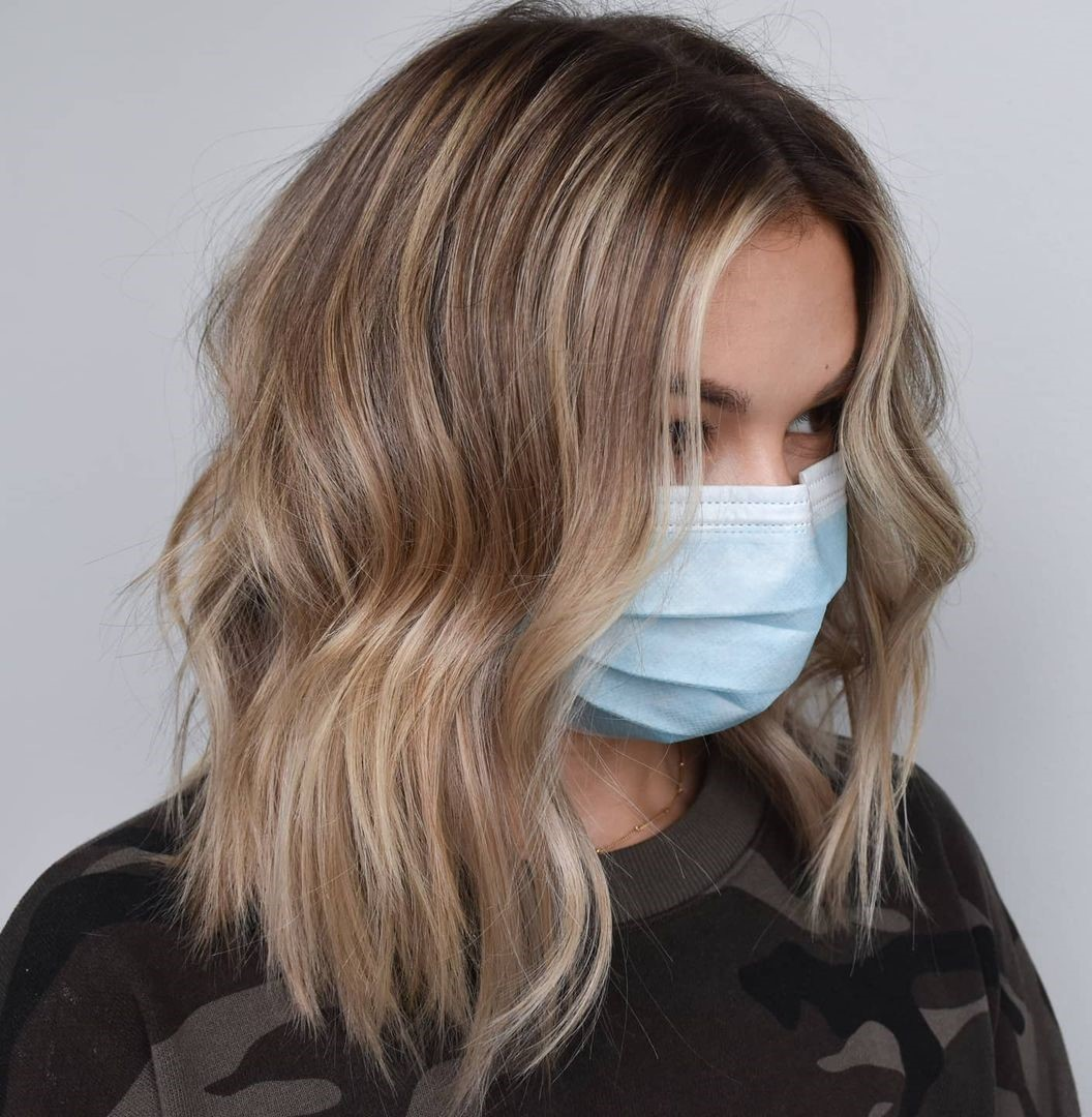 Sandy Blonde Lob with Full Highlights