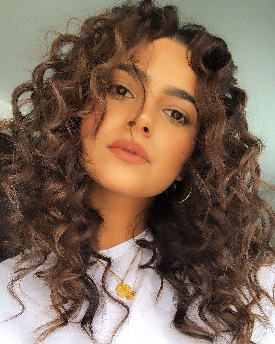 Beautiful Wavy Curls Tutorial