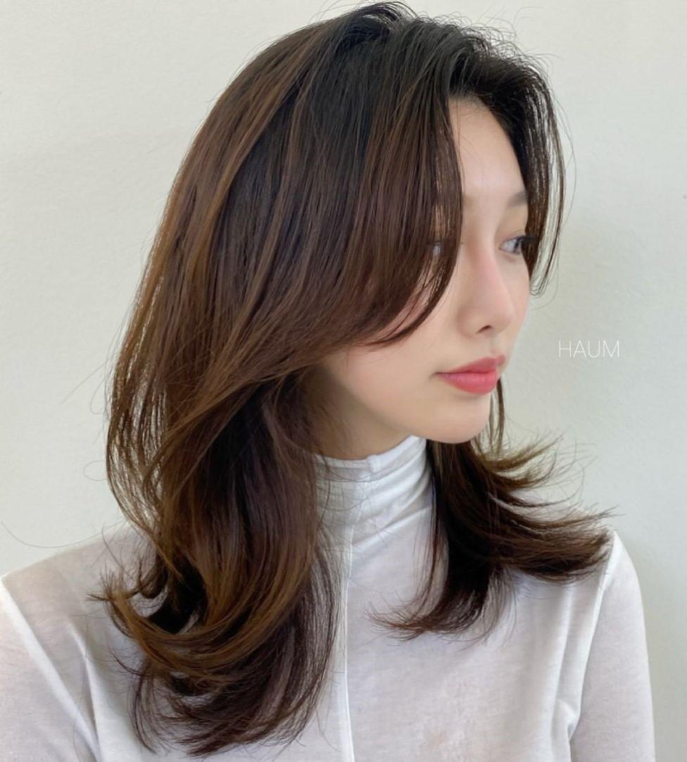 Medium-Length Korean Hairstyle for Women