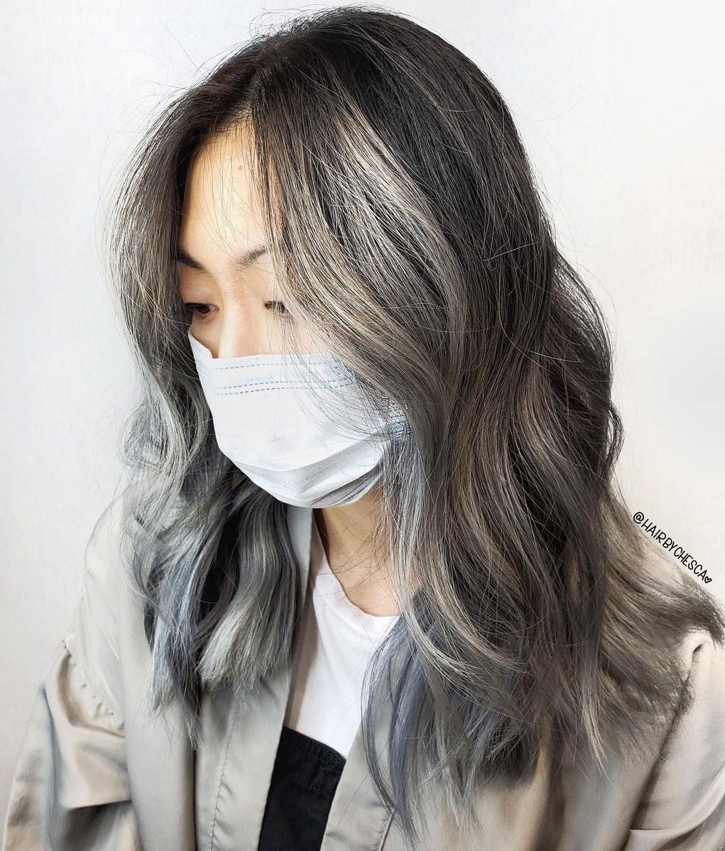 Face-Framing Gray Highlights