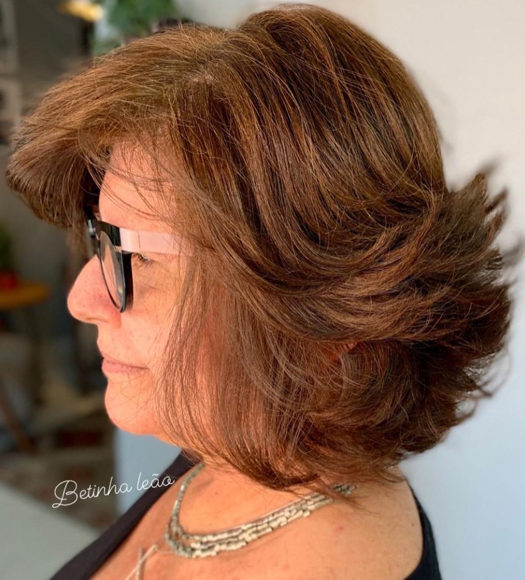 Layered Medium Hairstyles Over 50