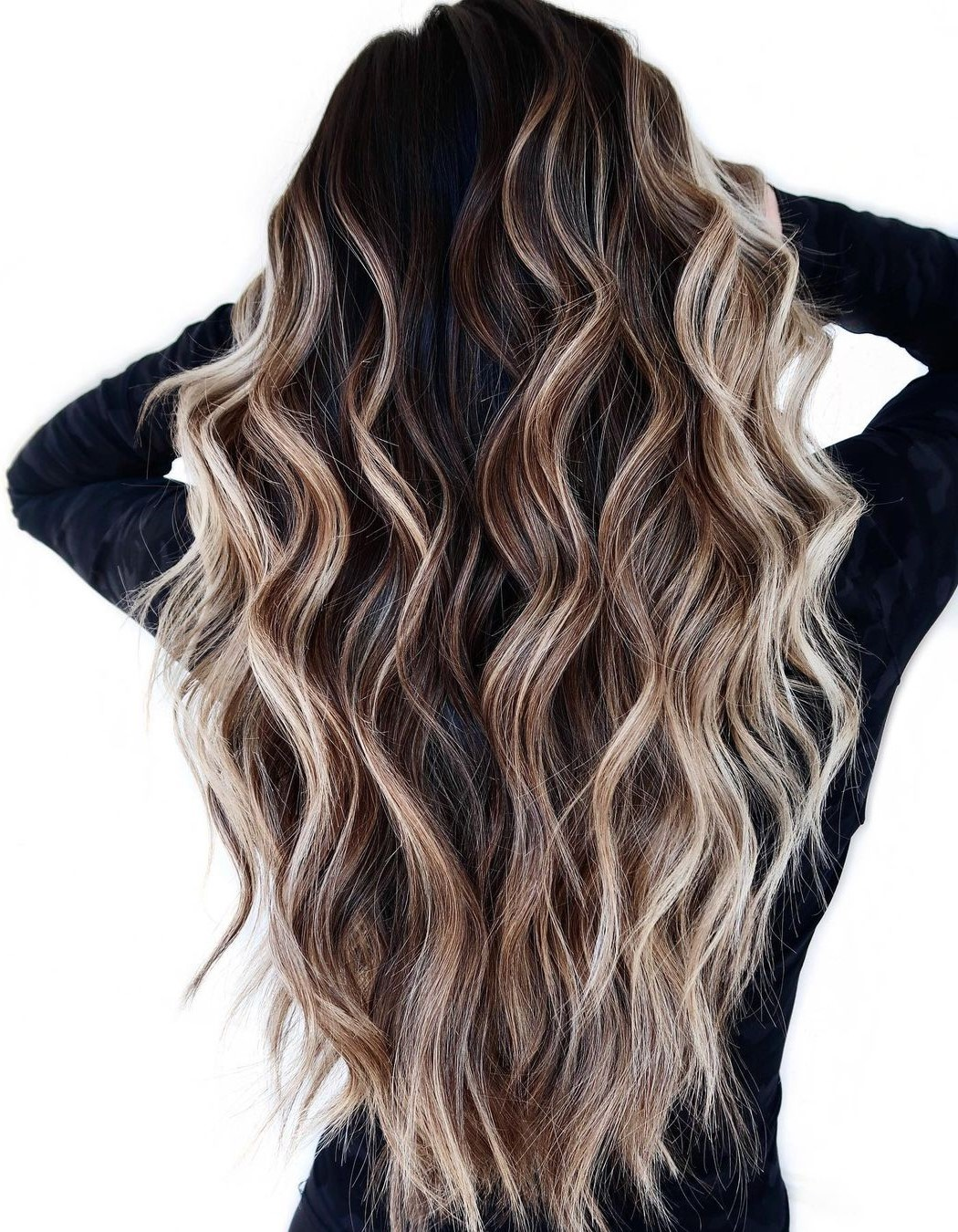 V-Cut Dark Hair with Highlights
