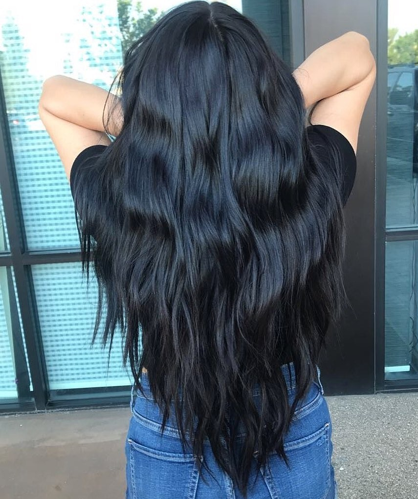Thick Layered V-Cut with Waves