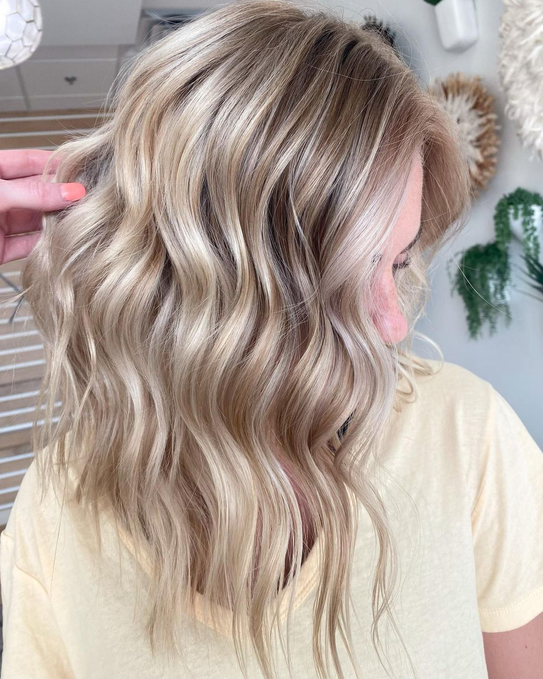 How to Make Blonde Hair Shiny