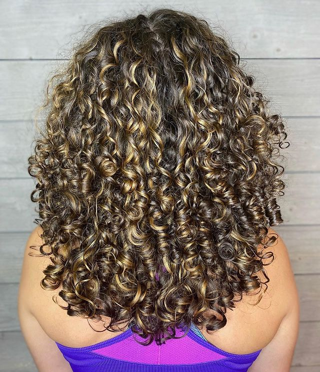 How to Get Curly Shiny Hair