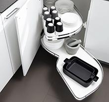 Accessori e ferramenta per cucina. Attrezzature Per Cucina