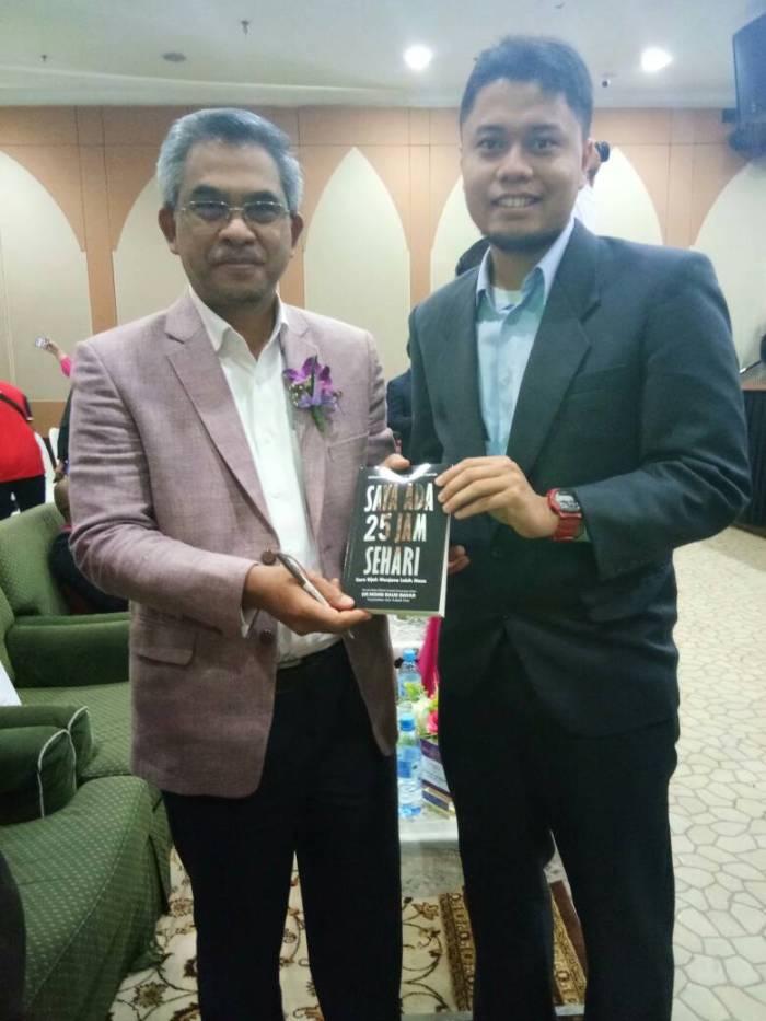 Dr Mohd Daud Bakar