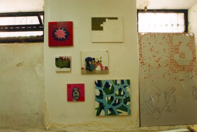Pintura de mierda, sala Abysal, Bilbao. 2000. Copias de los cuadros de Vaquero.