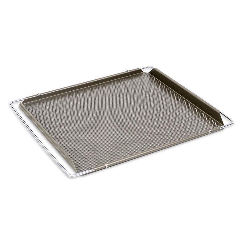 ausziehbares backblech mit feinen lochungen fur besonders knuspriges geback