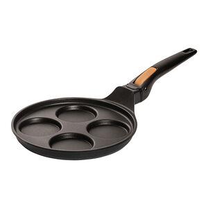 poele 4 blinis cuire en une seule fois 4 petites crepes tortillas oeufs sur le plat blinis ou pancakes