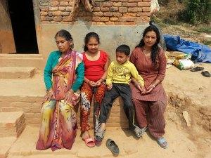 Familie-Nepal, Erdbebenopfer