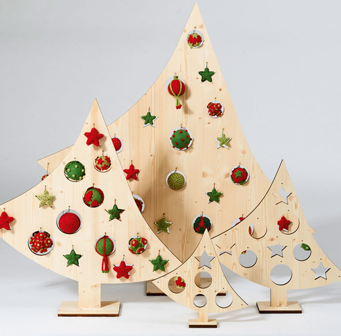 weihnachtsb ume aus holz mit filzkugeln helga hagen w hagenpur manufaktur. Black Bedroom Furniture Sets. Home Design Ideas