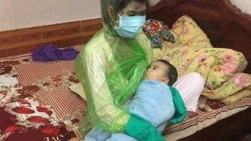 Usaha ibu ini menyusui bayinya agar tidak tertular cacar air bikin ngakak sekaligus kagum