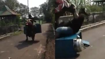 Narik pembeli, tukang pentol ini jualan sambil atraksi terbangkan motor tapi malah begini, apes!