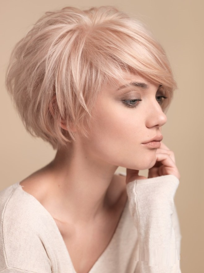 Blonde Short Hair with Sweeping Fringe