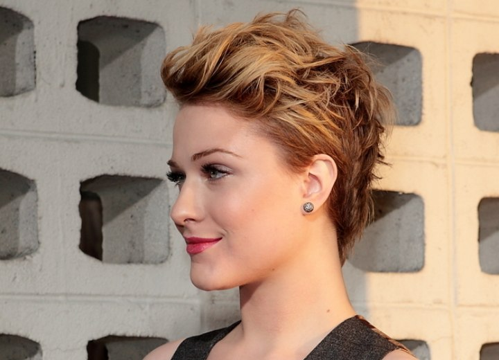 Evan Rachel Wood Fashionable Short And Messy Hairstyle