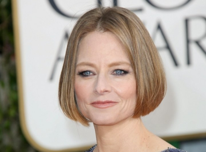 Jodie Fosters Chin Length Bob With Smooth Styling And A