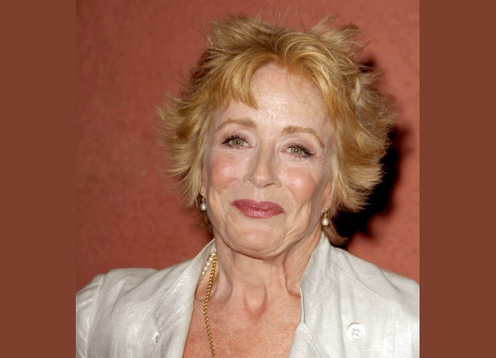 The Layered Hairstyle Look Of Holland Taylor Beautiful