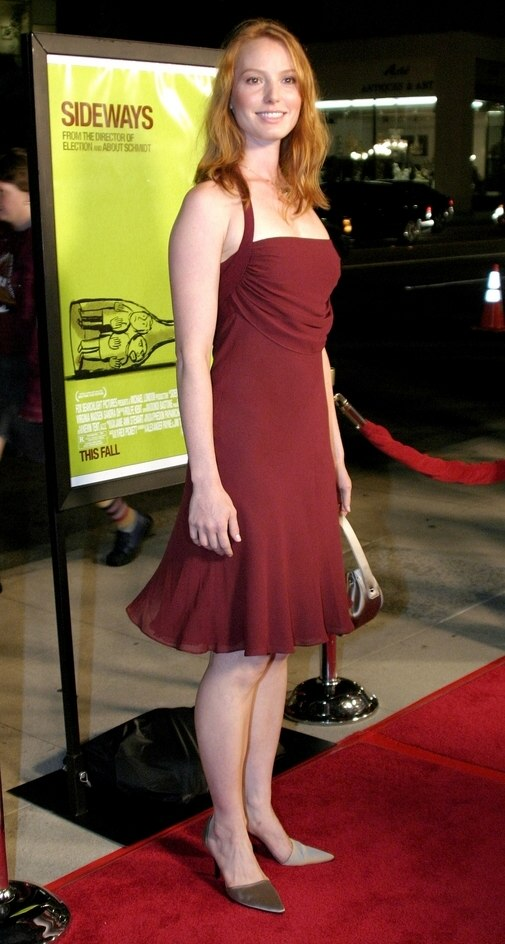 Alicia Witt Easy And Natural Below The Shoulders