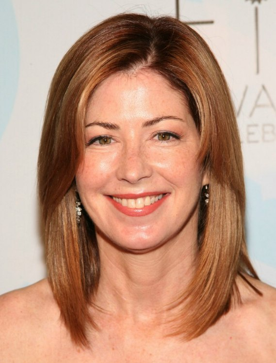 Dana Delany Long Hairstyle For A More Youthful Look