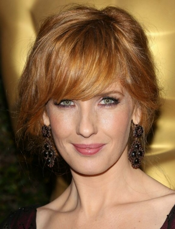 Kelly Reilly Loose Up Style That Gives The Effect Of A