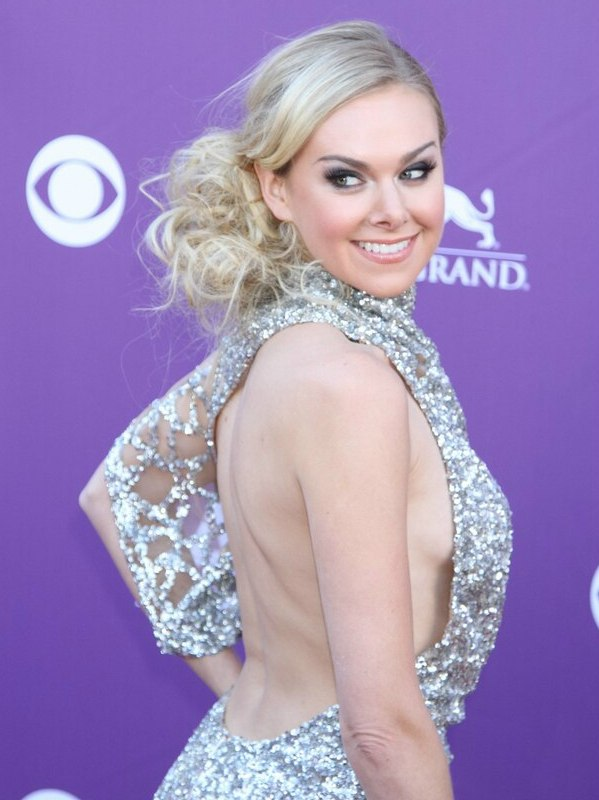 Laura Bell Bundy Loose Up Style Off Center And With The