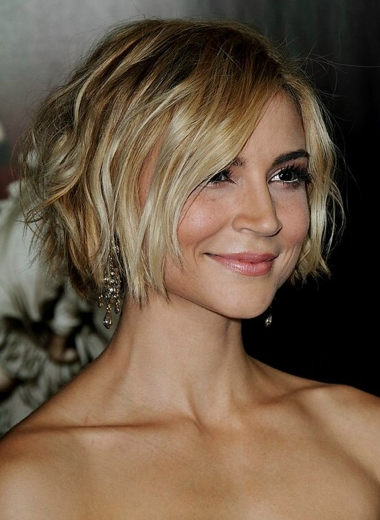 Samaire Armstrong Short And Tousled Hairstyle Colored
