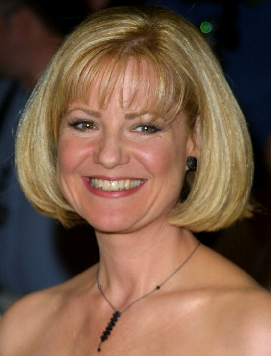 Bonnie Hunt Timeless And Easy To Maintain Chin Length