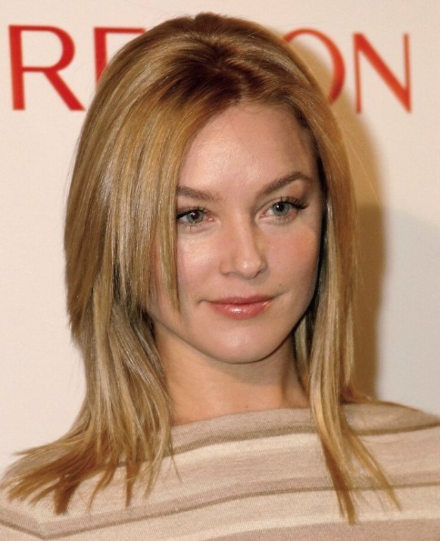 elisabeth rohm | modern and sexy long hairstyle with razor