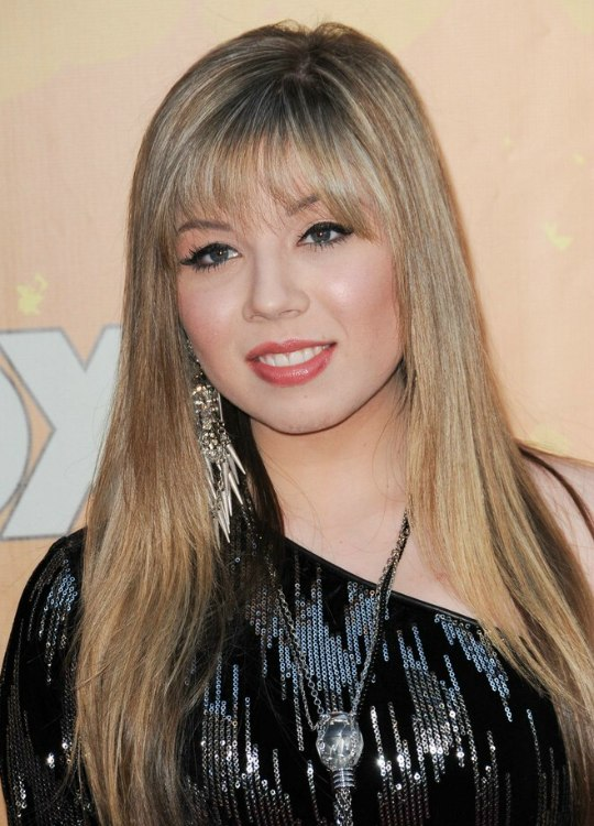 Jennette McCurdy Very Long Blonde Hairstyle With Blended